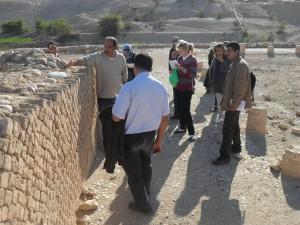 A. Kuntz: Der Ausbildungskurs der Dar Al-Kalima Fachhochschule Bethlehem für die Jericho Guides im Winterpalast des Herodes, Jericho