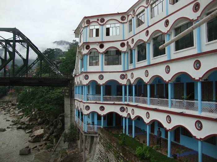 Hotel-Himalay-700